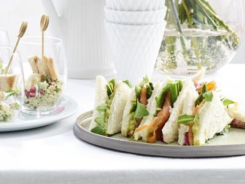 Ontbijt op bed voor moederdag is een klassieker, maar waarom ga je niet eens voor een high tea? Minstens even lekker!
