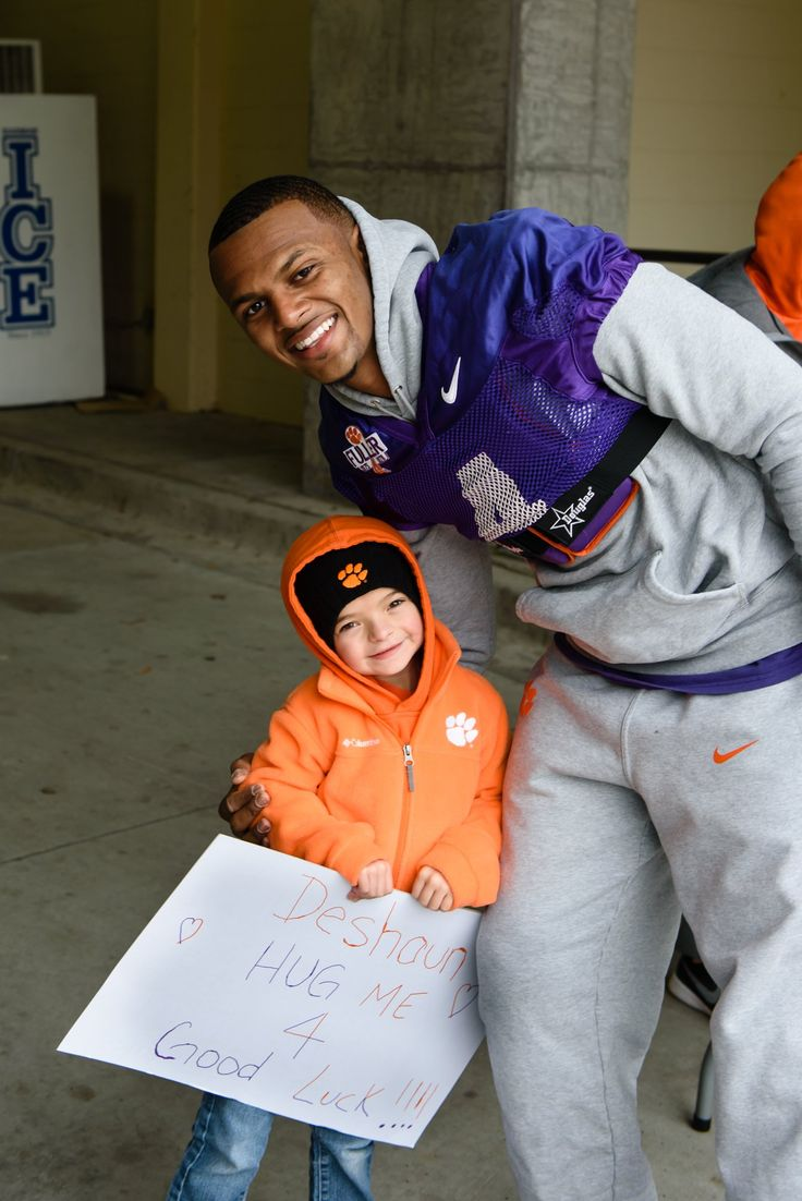 Deshaun Watson and one of his young fans.