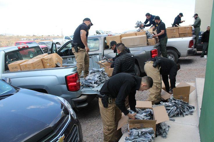 FGE entregó uniformes y equipo táctico a elementos de la Agencia Estatal de Investigación   El Puntero