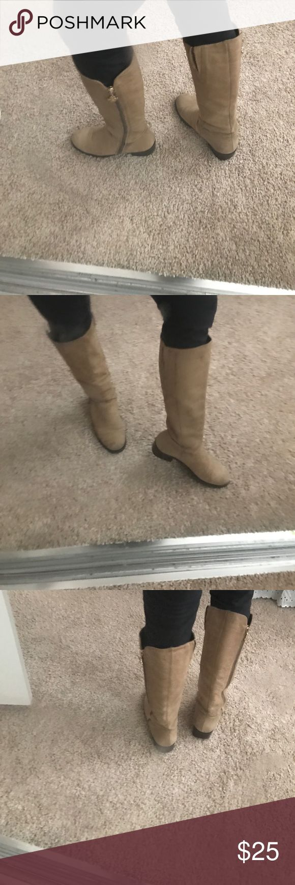 Pre loved Riding boots Diane Von Furstenberg Pre loved Diane Von Furstenberg riding boots these boots have extra room if you have a thick calf also they have that distress camel color no rips just the heel is a little worn still have lots of life to them leather could be cleaned 😀 Made in Brazil please ask for more pics if needed Diane von Furstenberg Shoes