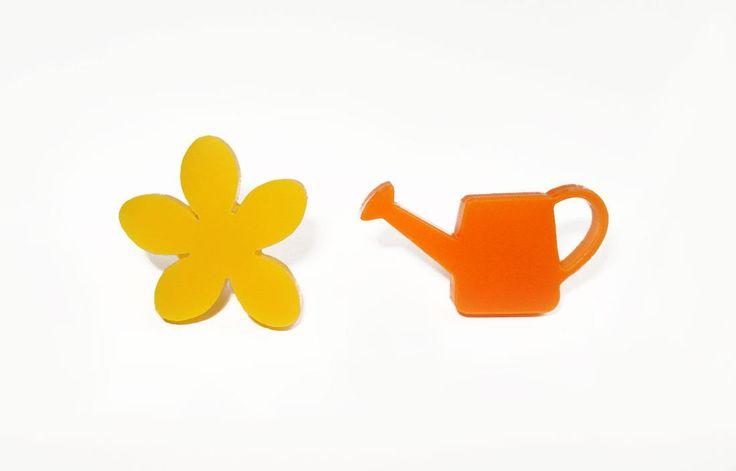 Flower with Watering can_stud earrings