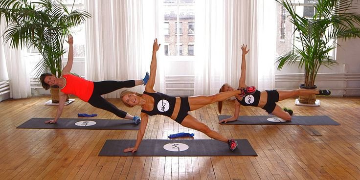 Tighten and tone your backside with this 10-minute workout from Anna Kaiser of AKT in Motion. She trains Kelly Ripa and Sarah Jessica Parker, and once you press play she will train you too! Although the focus of this workout is on the glutes, you will be
