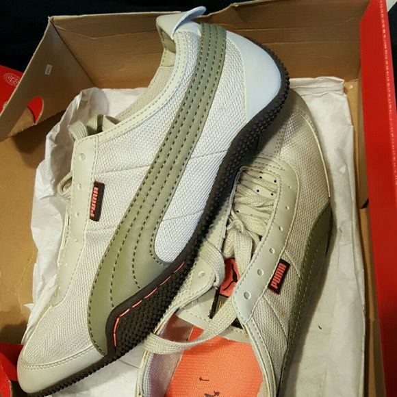 Creme/Olive Green New Puma sneakers in Box New Puma Women sneakers from Outlet store Puma Shoes Sneakers