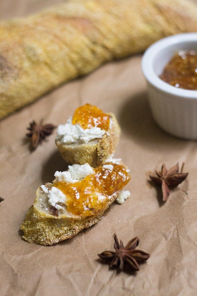 This ground cherry jam brings together the ground cherry, Quebec's strangest fruit, with the heat of ginger and the zest of lemon and lime. Fall…