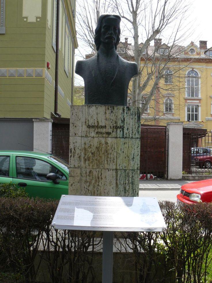 Imagini pentru statuia ghe lazăr sibiu
