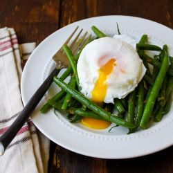 Haricots verts with poached egg and ginger dressing