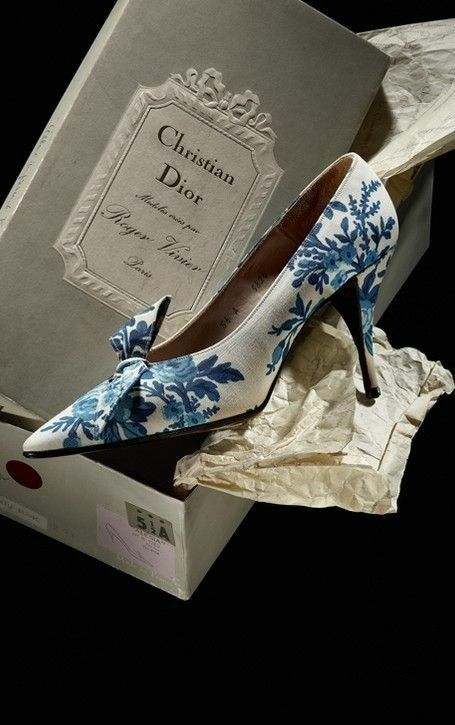 Roger Vivier for Christian Dior Shoes in Toile de Jouy, 1956. #rogerviviershoes