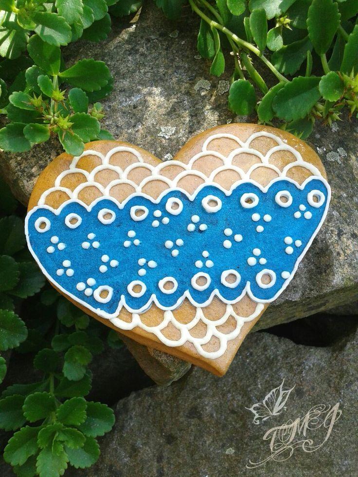 Hagyományos kékfestő jellegű mézeskalács szív by TMJcreative.