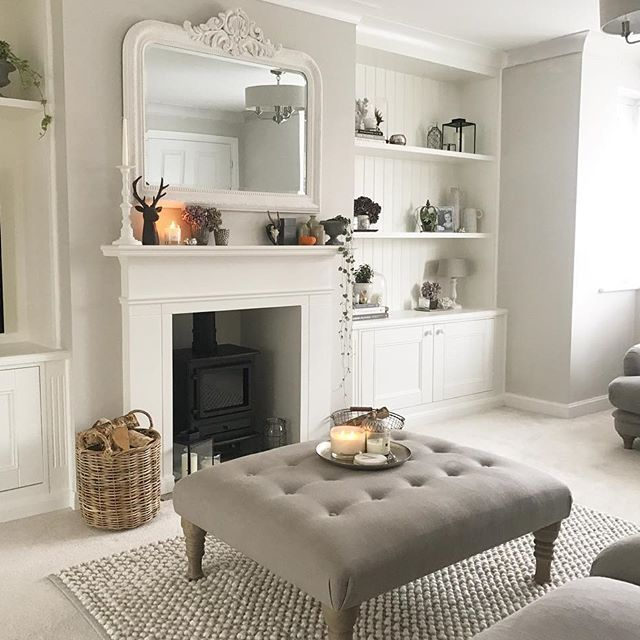 Happy Friday all  take away ordered.. both kids showered and in Pjs and we are going to have a family movie night tonight  wishing you all a very lovely weekend  #happyweekend #loafershomes #farrowandball #styleitlight #woodburner #cosynightsin