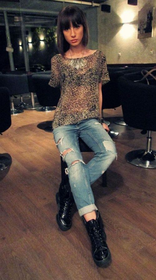 Boyfriend Jeans  + Jeremy Scott Adidas wings flying shoes = cute outfit