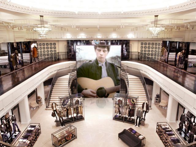A huge digital screen in the middle of the atrium and 100 more in different parts of the 4-floor store – even mirrors in the fitting rooms transform into screens – as well as 160 iPads at the clients' disposal offer a new shopping experience