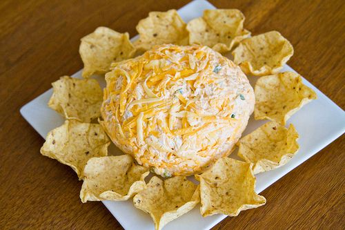Buffalo chicken cheese ball. Can you say superbowl party food?