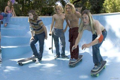 Les seigneurs de Dogtown ! Vous aimez le skateboard ? Vous risquez d'adorer ce film ! Notre critique sur Gold'n Blog !