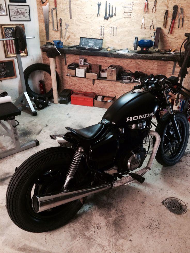 Honda cm400T cafe racer / Soft bobber garagebuild