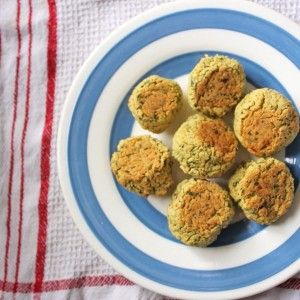 This recipe for healthy falafel is baked rather than deep fried, so you can enjoy the yummiest most nutritious falafel ever!