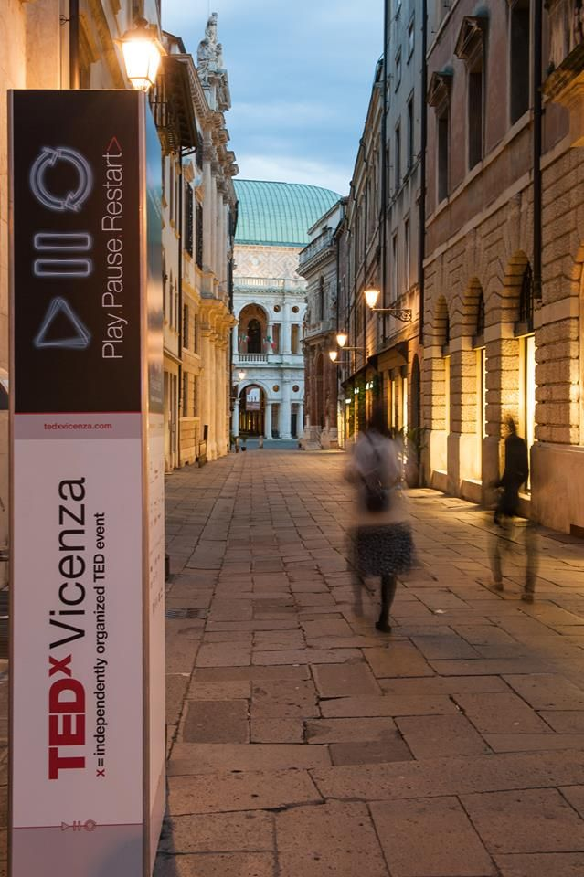 Totem Adv > Play.Pause.Restart>  #TEDx #Vicenza #TEDxVicenza