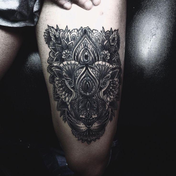 Mandala tattoo, mandala tiger, tigre mandala, tatuaggio ornamentale, ornamental tattoo, leg tattoo, tatuaggio mandala, tigre mandala,  details, dettagli,  tatuaggio coscia