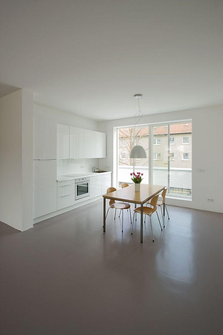 interieur bodenbelag aus beton haus design bilder. Black Bedroom Furniture Sets. Home Design Ideas