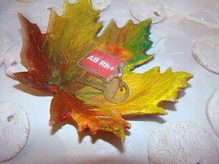 Ania mama Agnieszki: Jesienny liść z masy solnej