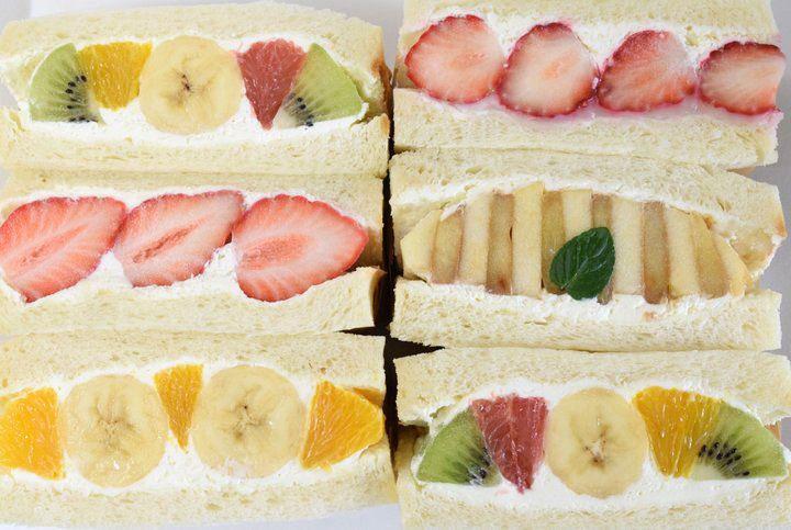色とりどりのフルーツがぎっしり♪行列のできるフルーツサンド専門店・中目黒「フツウニフルウツ」|ことりっぷ