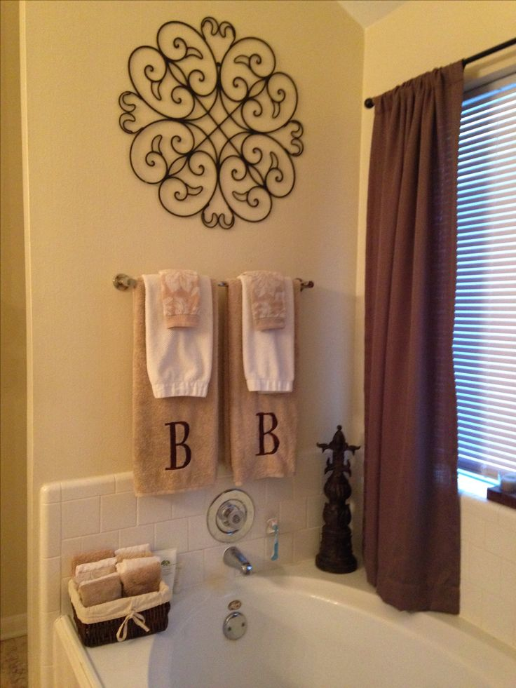 Cool 60 master bathroom towel ideas design decoration of for Bathroom hanging decorations