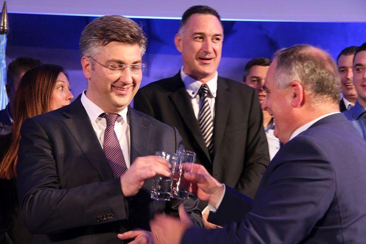 Plenković u Splitu: S MOST-om je puklo kada su rekli da su s SDP-om, a ne s nama