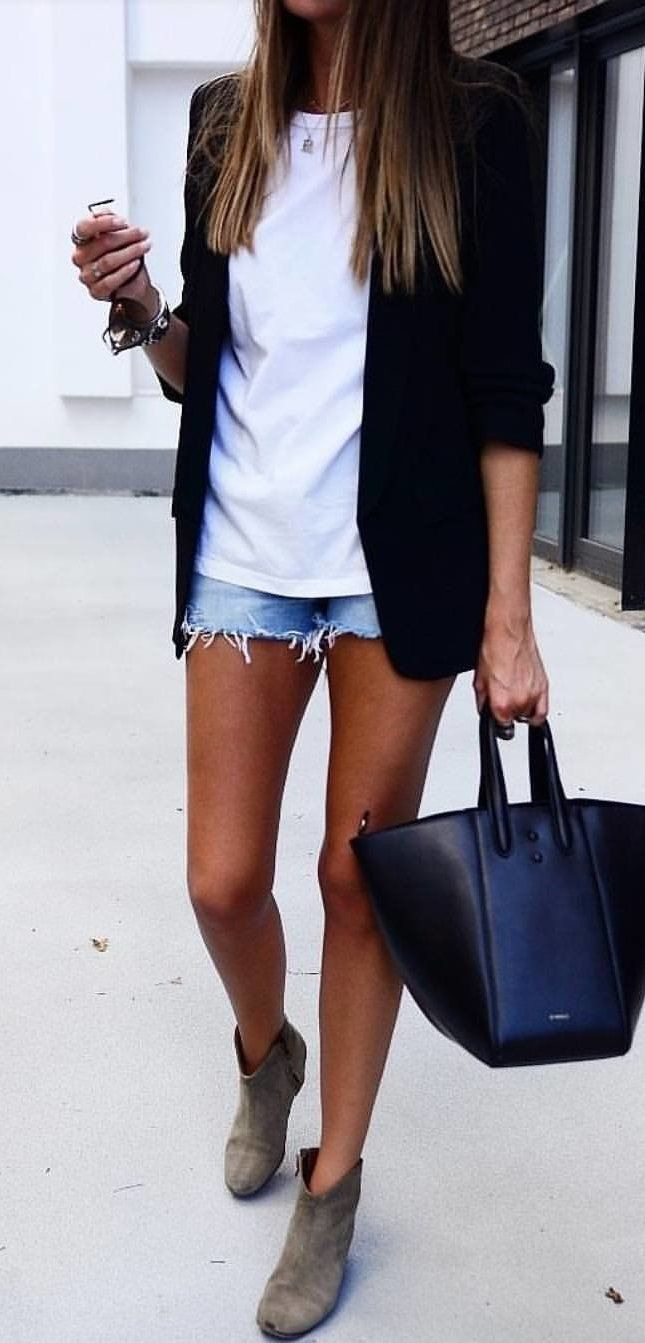 Best 25 White shorts ideas on Pinterest  White denim shorts Greek outfits and Summer outfit