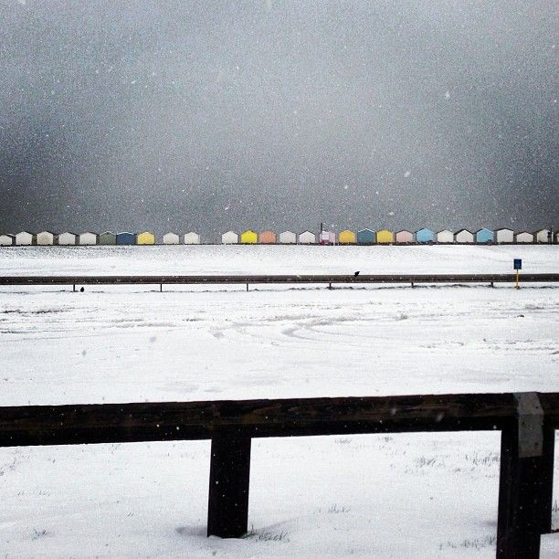 Hove lawns and beach huts in the snow - Photo by davidjaygreenwood