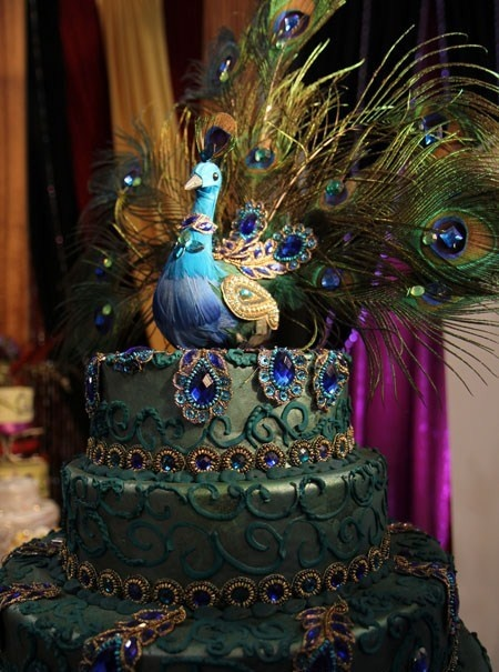 Peacock Cake.... Thought Courtney would like this: Peacocks, Wedding Ideas, Amazing Cakes, Food, Beautiful Cake, Wedding Cakes, Peacock Cakes, Weddingcake, Peacock Wedding Cake