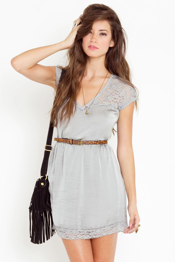 orchid lace dress...also i want the belt!