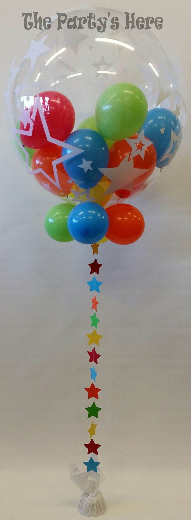 Star Print Bubble with matching custom made Garland. Love these colours!  www.thepartyshere.com.au   #balloons #star #bubbleballoon #qualatex #custommade #bespoke #thepartyshere #certifiedballoonartist