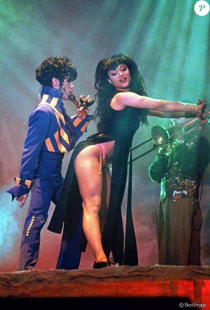 mayte garcia and prince | Prince et Mayte Garcia à Londres en août 1993....