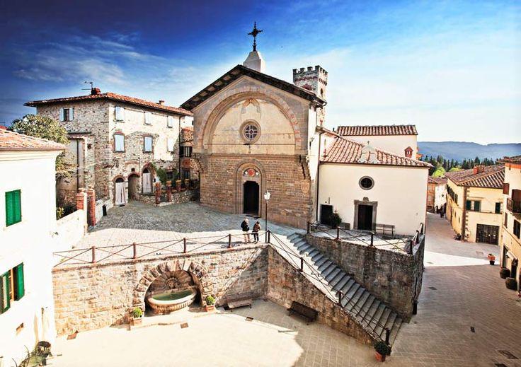 Radda in Chianti, lovely walled town near the vacation villa to rent in Chianti, Podere Patrignone www.patrignone.com  Post by Simon of patrignone.com   #vacationtuscany  #familyholidaytuscany  #holidaysinTuscany  #tuscanyvacation #tuscanyvacationrental #tuscanyvillarental #wheretostayinTuscany #chiantivillarental