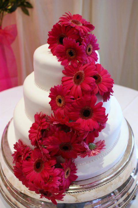 wedding cake pictures with gerbera daisies 17 best ideas about gerbera cake on fondant 23449