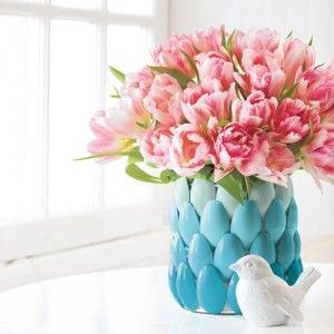 How to Make a Cute Vase from Plastic Spoons  Cool DIY! http://www.oldtimepottery.com/