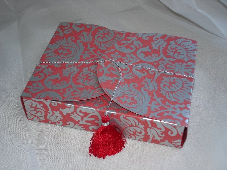 Red-Silver # 94 Collapsible Box (made up)   (78)