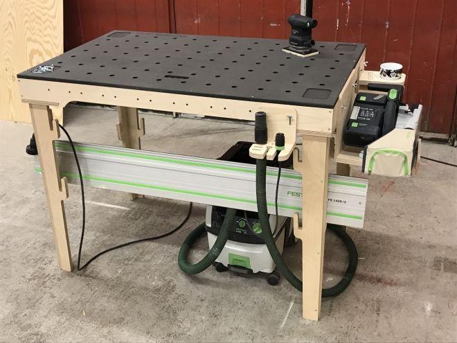 Épinglé par Navarro Edwards sur Woodworking   Fabriquer etabli, Etabli bois, Rangement atelier