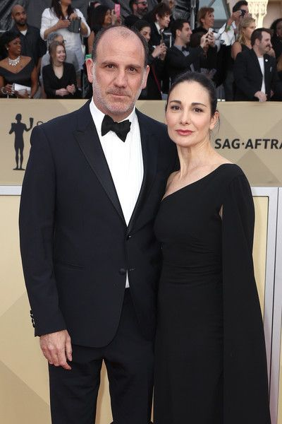 Nick Sandow Photos - Actor Nick Sandow (L) and Tamara Malkin-Stuart attend the 24th Annual Screen Actors Guild Awards at The Shrine Auditorium on January 21, 2018 in Los Angeles, California. 27522_017 - 24th Annual Screen Actors Guild Awards - Arrivals