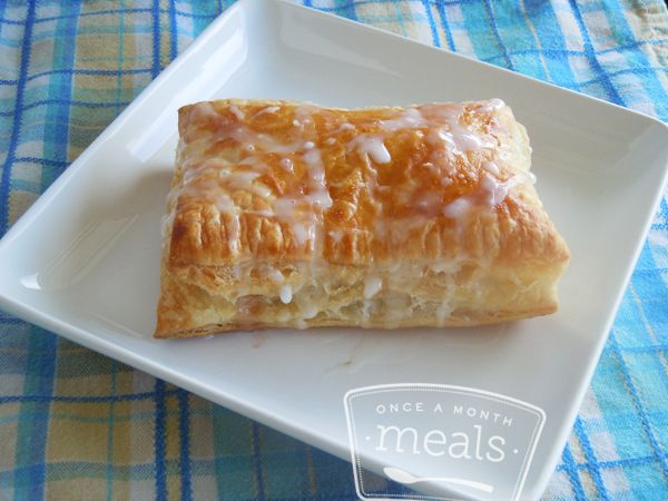 Better than the Freezer Aisle: Homemade Toaster Strudels recipe- Breakfast #freezercooking #homemade #breakfast