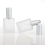 10 ml leeg Parfum flesje, roller fles luxe mat glas met metalen roller bal van roestvrij staal en zilveren schroefdop voor parfum en etherische olie.