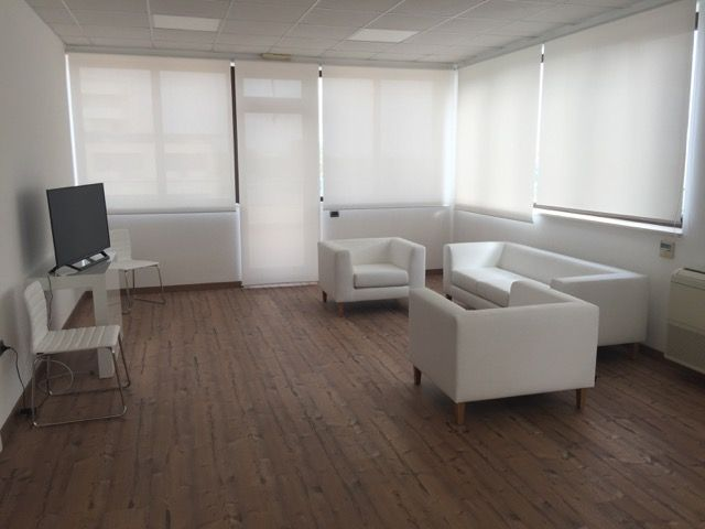 Lounge Area - Sofa and Armchairs Model COOL White Leather and Wooden Feet - Chairs Model WIN White Leather and Metal Structure
