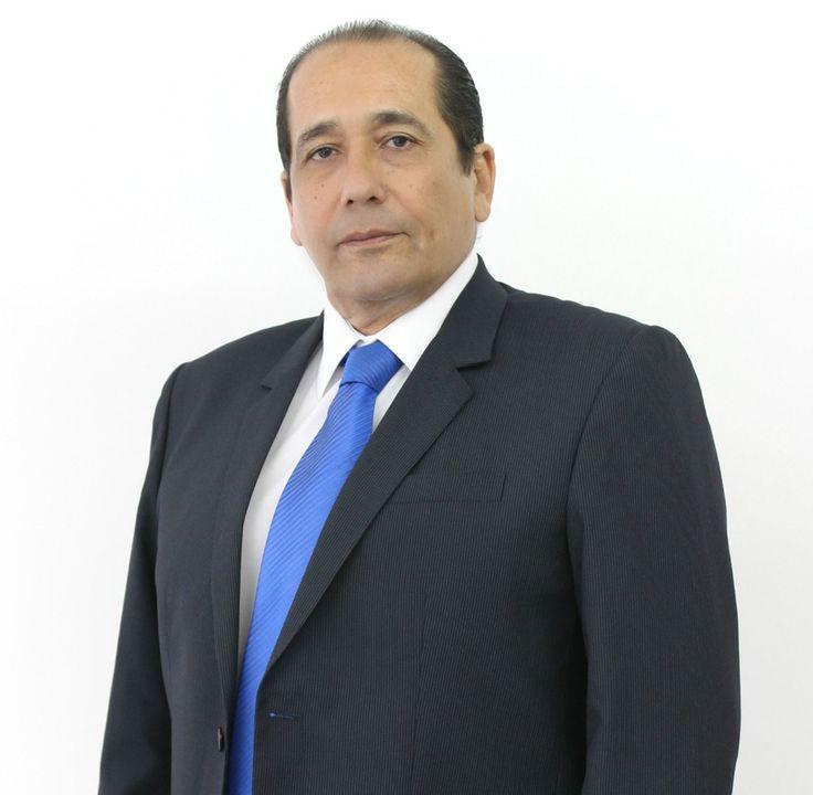 Dr. Hugo Aguayo Olivares