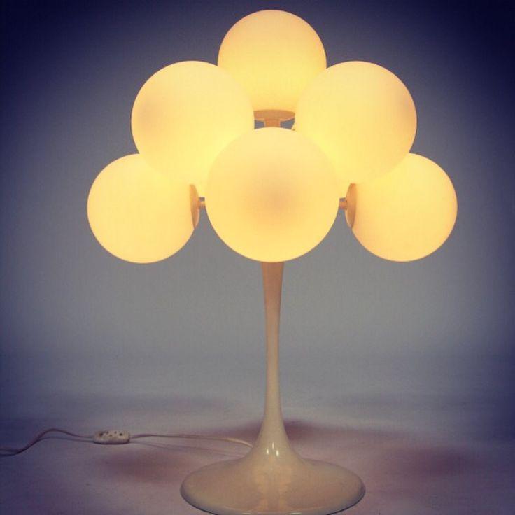 nine globe table lamp by bauhaus designer max bill the. Black Bedroom Furniture Sets. Home Design Ideas