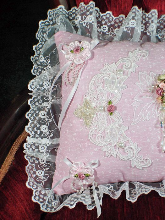 Victorian Decorative Pillows | Beautiful Decorative Pillows Add a Touch of Eloquence to your home!