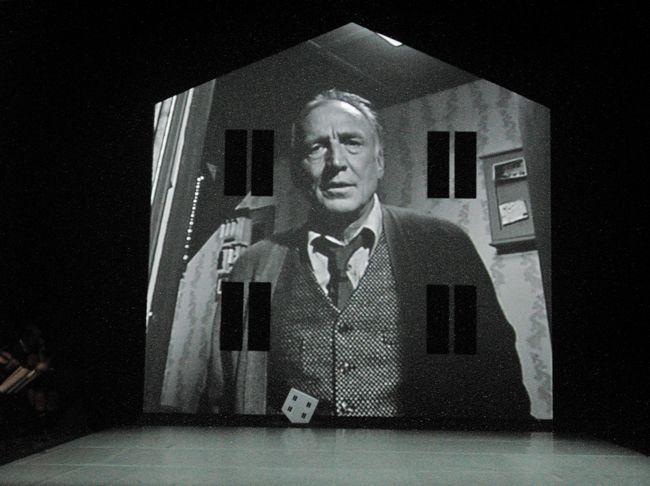 Bühnenbild und Licht: Klaus Grünberg, eraritjaritjaka, Théâtre de Vidy, Lausanne, 2004
