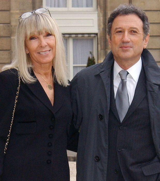 Photo : Dany Saval et Michel Drucker devant l'Elysée