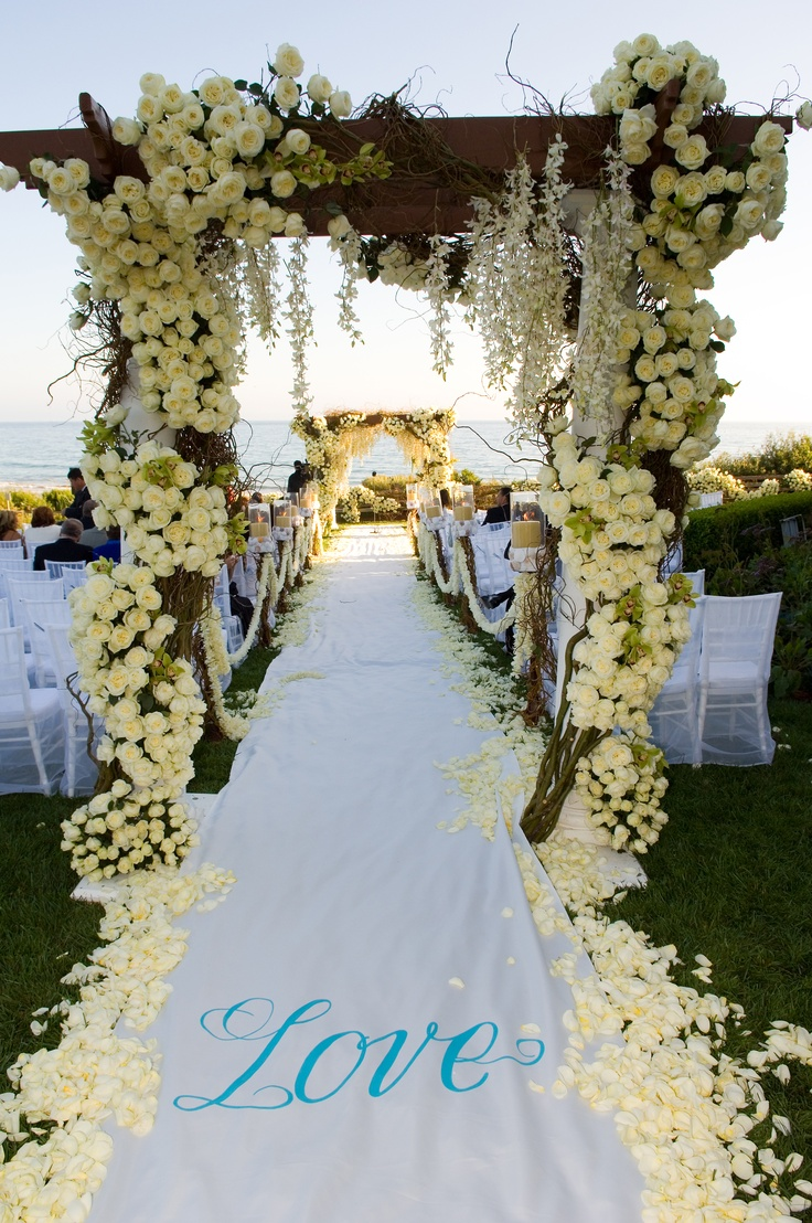 Bacara's 78 oceanfront acres offer a variety of ceremony and reception sites, ideal for every style of wedding – from an intimate garden setting or sparkling seaside ceremony to a grand ballroom reception.