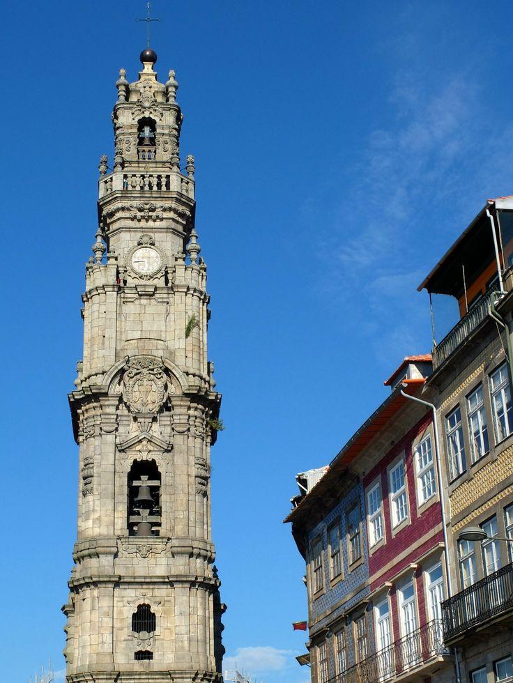 Tour des Clercs / Torre Dos Clerigos : vue extérieure