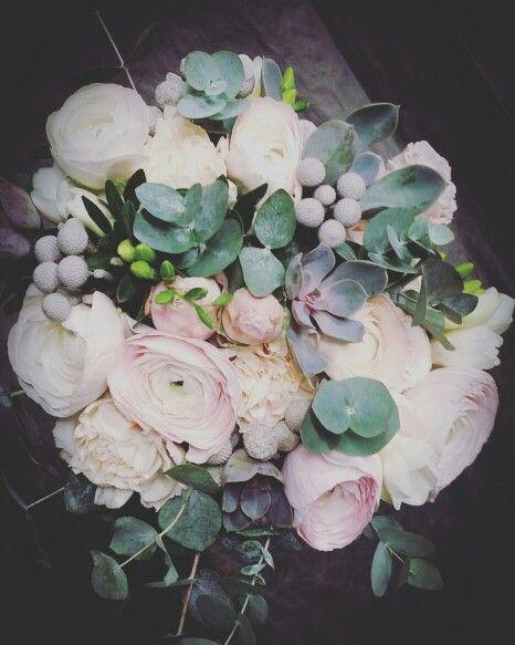 Morsiuskimppu kukkakauppa bronco