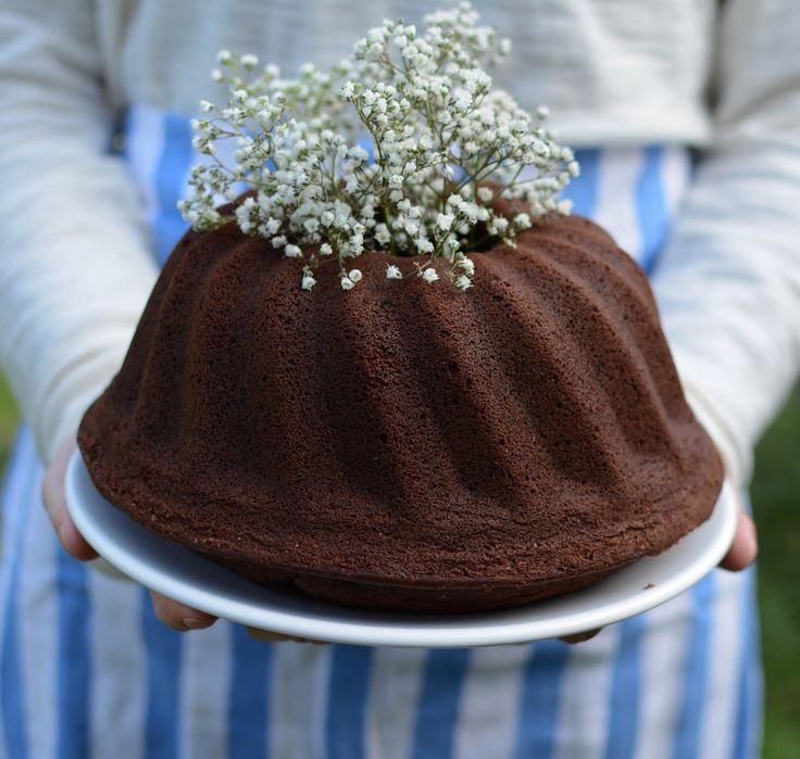 ··· Crème de Cassis ··· : Chocolate Bundt Cake